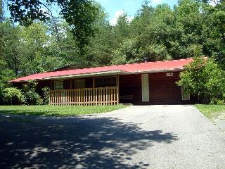 Andys Hideaway -4 Br 2 Ba 1 mile from Pigeon Forge - Pigeon Forge vacation rentals