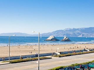 Spectacular OCEANFRONT- Balcony 2bd-30day min. - San Francisco vacation rentals