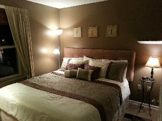 King bed and tile throughout!! - Orange Beach vacation rentals