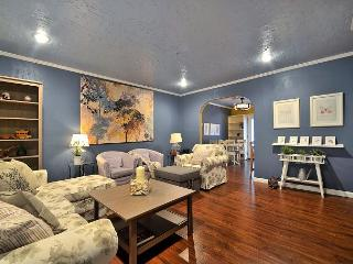 3BR/2BA North Austin Oasis, Just North of Town!  Fall Discounts - Austin vacation rentals