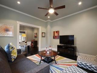 2BR/2BA Great Location! Walk to West 6th Street! - Pflugerville vacation rentals