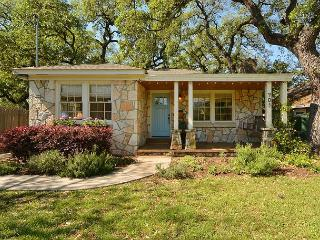 2BR Bouldin Cottage Charmer in the True Heart of Soco! - Austin vacation rentals