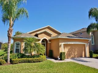LUCANTHO VILLA: Updated 4 Bedroom Pool and Spa Home in West Haven - Davenport vacation rentals