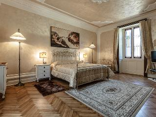 Charming Apartment in the centre of Como - Lombardy vacation rentals