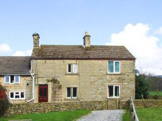 BROADHAY, country farmhouse, en-suite, lovely views, activities on farm, close Hathersage Ref 904834 - Peak District National Park vacation rentals