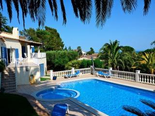 VILLA MONTGRI - 8 PAX - Torroella de Montgri vacation rentals