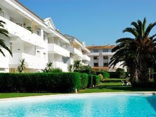 GREEN CLUB - Apartamento 4 PAX - Mas Pinell vacation rentals