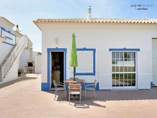 Squad Blue House - Ferreiras vacation rentals