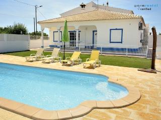 Squad Grey Apartment - Ferreiras vacation rentals
