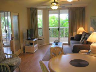 Kihei, Maui  - Maui Banyan - Steps from the beach - Kihei vacation rentals