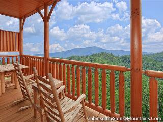 Country Bear Cottage - Gatlinburg vacation rentals