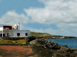 The ocean... our neighbour!!! - La Graciosa vacation rentals