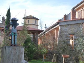 Frate Sole, appartamenti in Borgo - Todi vacation rentals