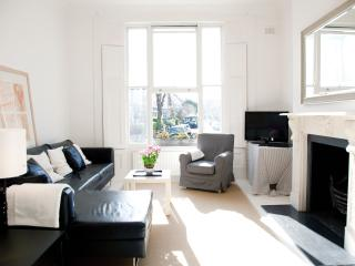 Lovely Property in Notting Hill with 3 Bedrooms - London vacation rentals