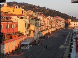 Beautiful apartment on the harbour Imperia Oneglia - Imperia vacation rentals