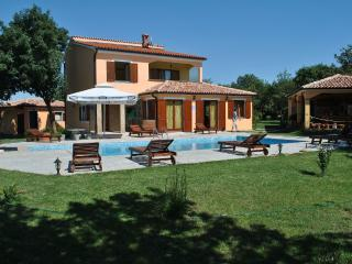 Pula House With Swimming Pool!!! - Rovinj vacation rentals