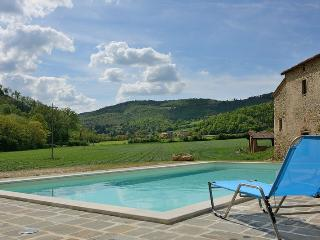 Apartment in Rural House with Pool - Monte Santa Maria Tiberina vacation rentals