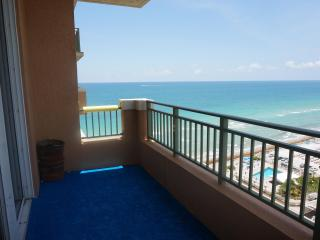 Gorgeous 2/2 Penthouse ON 17TH 2080 S Ocean Dr - Hallandale vacation rentals