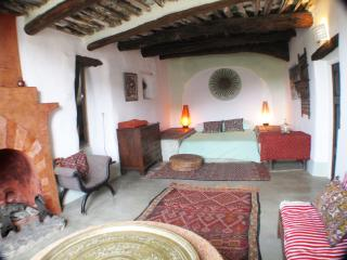Casa Aloe, Rural house with a heated swimming pool - Portugos vacation rentals