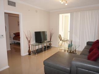 Porto Belagio 2/2 Beautiful Condo 7TH FL - Sunny Isles Beach vacation rentals