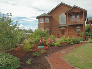 Gulmarg - The House With A Difference, Sea & Mountain Views, Hot Tub, Jacuzzi - Port Angeles vacation rentals