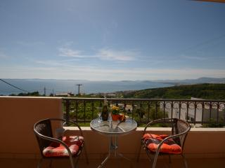 Apartment Smile Podstrana 4* 2+2 - Podstrana vacation rentals