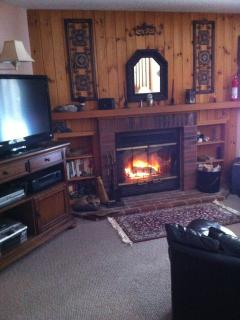 Loon Mountain NH  Riverfront condo + Fireplace - Lincoln vacation rentals