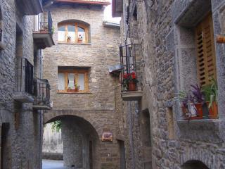 Casa completa para disfrutar del Pirineo y Ainsa. - La Puebla de Roda vacation rentals