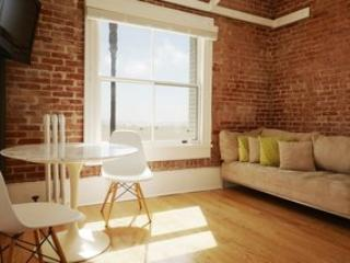 Ocean Front Apartment in the Heart of Venice Beach - Image 1 - Los Angeles - rentals