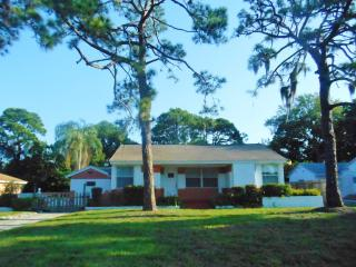 Pool! Near Beaches! 3BD/2B House, big Florida room - Saint Petersburg vacation rentals