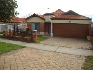 Holiday House in Victoria Park - Victoria Park vacation rentals