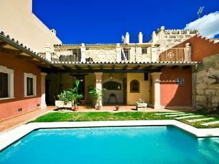 CAN BASSA - Muro vacation rentals