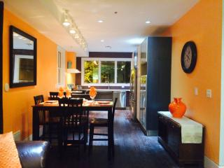 Charming Apartment 15 Minutes From Times Square - Union City vacation rentals