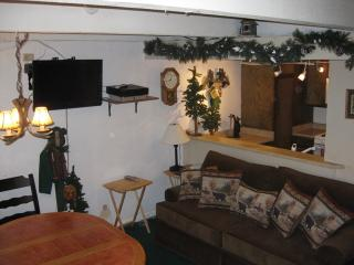 #67 Premier 3BR Townhouse w/ spa. BY Snow Summit! - Big Bear Lake vacation rentals