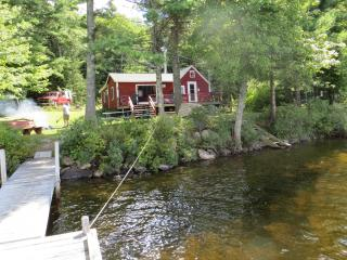 Peaceful Lakeside Cabin on Shores of Biscay - Mid-Coast and Islands vacation rentals