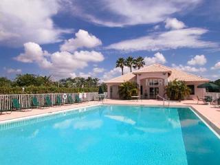 Exceptional Vacation Condo on Golf Course - Sarasota vacation rentals
