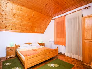 Apartment and Rooms Jelena - 80271-S1 - Central Croatia vacation rentals