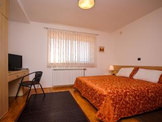 House Robert - 80821-S1 - Rakovica vacation rentals
