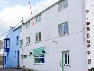 THE OLD BREWERY, feature beams, double bedroom, close to beach, Ref 29896 - Pembrokeshire vacation rentals