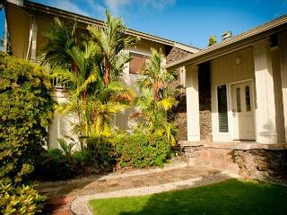 10% off  May & June Dates!! Beautiful Home near Queen's Bath with Ocean Views - Princeville vacation rentals