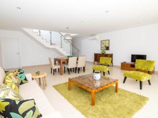 Villas Rocha Luxury TownHouse1 - Albufeira vacation rentals