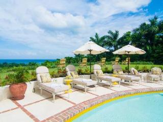 Elegant Pineapple House with access to Tryall Club's luxurious amenities & close to the beach - Jamaica vacation rentals