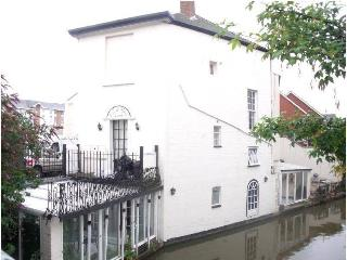 Canal House - Waterfront - Venice in Leamington! - Leamington Spa vacation rentals
