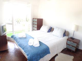 Cosy 3 bedroom apartment in Lisbon - Lisbon vacation rentals