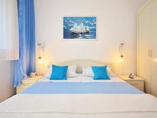 Cozy flor 2DB with a panoramic sea view - Slatine vacation rentals