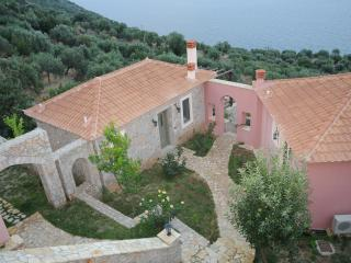 DIO GUESTHOUSES - PRASTOS 3 B/R VILLA WITH GARDEN - Tyros vacation rentals