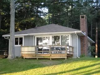 Sunny Shores Rental on Big Platte Lake - Honor vacation rentals