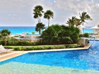 Villa El Mar - Private beachfront home offers pool & majestic sunset views - Cancun vacation rentals