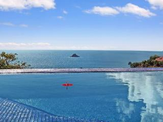Stunning Vague Bleu Villa offers a jacuzzi, infinity pool & free Suzuki rental - Lurin vacation rentals