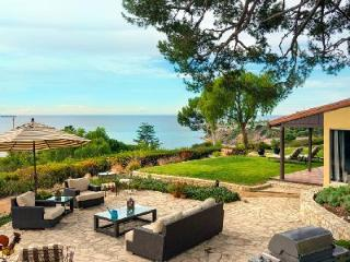 Fabulous Palos Verdes Beauty Villa, with beach access and resort privileges - Redondo Beach vacation rentals